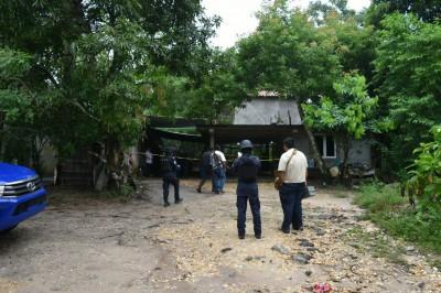 Matan a comerciante a machetazos en San Juan Evangelista