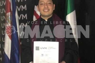 UN ÉXITO MÁS: Carlos Lara concluye maestría en Admistración de Negocios