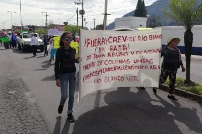 En Río Blanco, marchan y exigen se frenen abusos de la CAEV