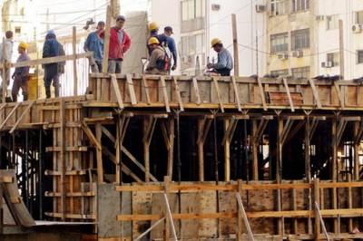 Se paraliza industria de la construcción; aumentan insumos