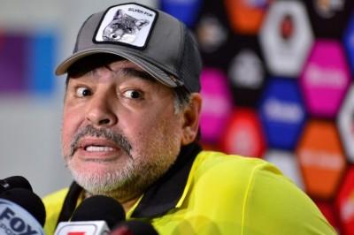 Diego Maradona se postula para dirigir al Tricolor