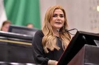 SIOP firmará convenios con Xalapa y Veracruz para acciones de bacheo: Maryjose