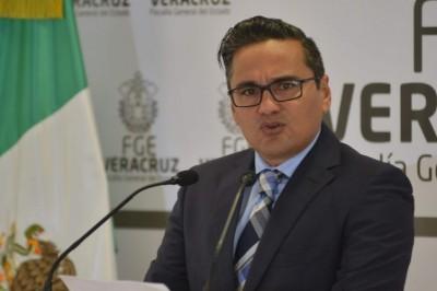 Winckler: me quedan 7 años; Cuitláhuac, 'se tiene que ir'