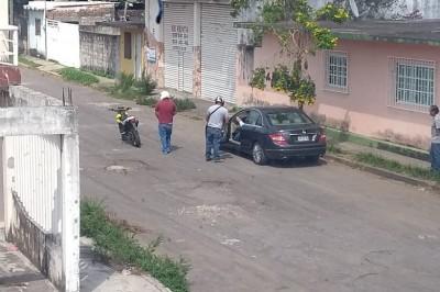 Asaltan a cuentahabiente en la colonia  Playa Linda, los agresores motorizados se llevaron  un botín de 100 mil pesos