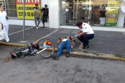 Sufre percance Ciclista  en la colonia Centro de Veracruz