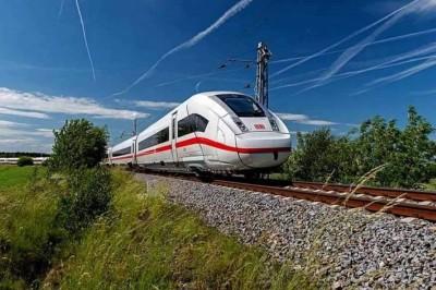 Tren Maya sí irá a consulta, confirma AMLO