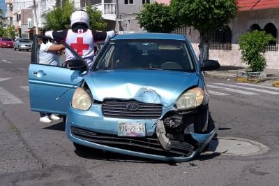 Se registra un choque en la colonia Zaragoza dejando un dos lesionados