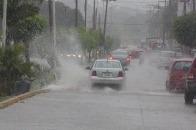 Nuevo frente frío y lluvias en Veracruz este martes
