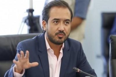 Abandona alcalde de Veracruz a usuarios