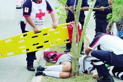 Estudiante lesionada al derrapar con su motocicleta