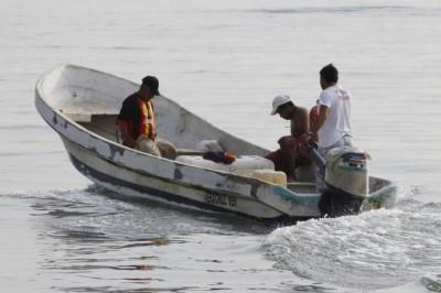 Capacitan a pescadores para trabajar en obras del nuevo puerto