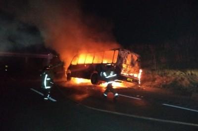 Se incendia autobús Metro en la Veracruz--Córdoba
