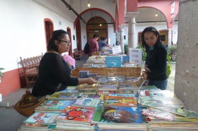 Invitan a regalar libros