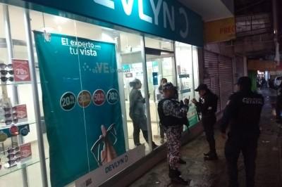 Asaltan a empleadas de Óptica Devlyn en Minatitlán