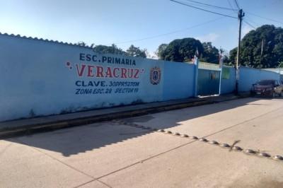 A punta de pistola despojan a maestra de su vehículo en Minatitlán