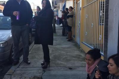 Trabajadores del CECYTEV reclaman pago mediante protesta