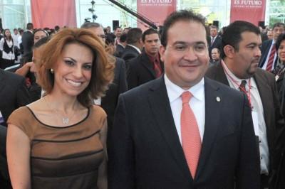 Javier Duarte envía carta al Grupo Editorial La Voz del Istmo; defiende a Karime