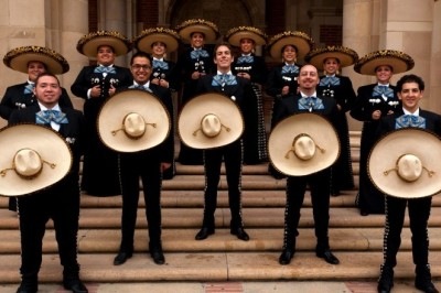 Ópera y mariachi
