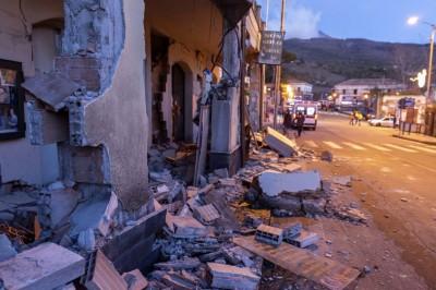 Sismo magnitud 4.8 deja daños materiales en Sicilia, Italia