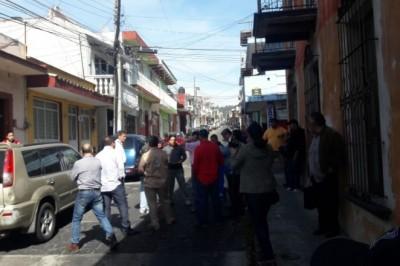 Trabajadores de CMAS se manifiestan en Xalapa; exigen pagos