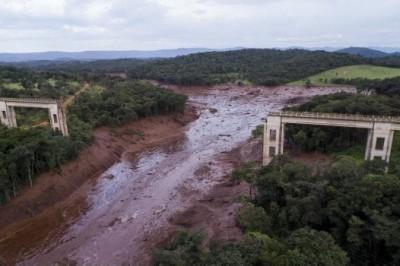 50 muertos y 200 desaparecidos, el saldo tras colapso de presa en Brasil