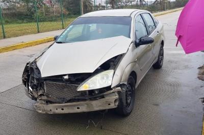 Se registra choque entre automóviles particulares en Coatzacoalcos