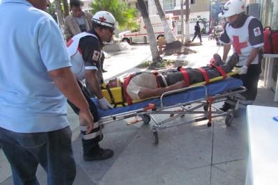 Obrero cae de más de 15 metros de altura (+Fotos)