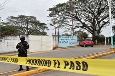 Tras persecución  a balazos detienen a 2 en Acayucan
