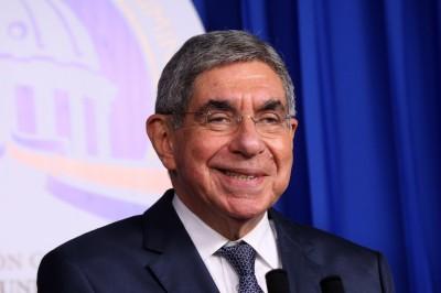 Denuncian por abuso sexual a Óscar Arias, ganador del Nobel de la Paz