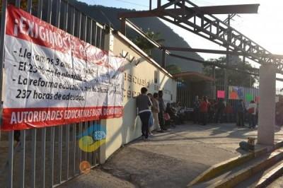 Buscarán padres de la Técnica 84 de Orizaba diálogo con autoridades estatales