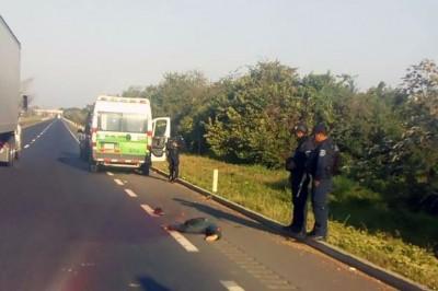 Muere hombre al ser atropellado en autopista