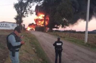 Reportan explosión de ducto de Pemex en Huauchinango