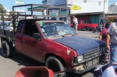 Accidente en calles de Veracruz deja fuerte susto a pareja de tercera edad