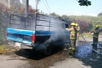 Se incendia camioneta en Boca del Río
