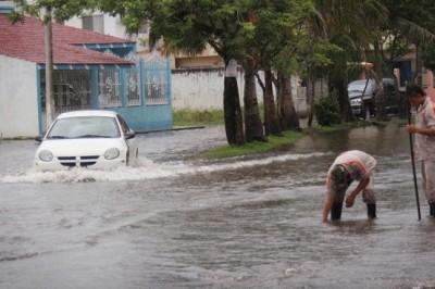 Lluvias continuarían provocando inundaciones en el Florestra, señala regidor