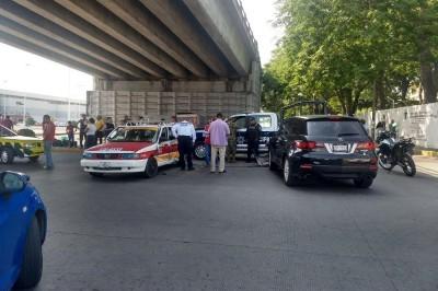 Choque entre particular y taxi deja una lesionada