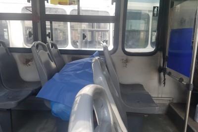 Hombre muere tras sufrir infarto abordo de un autobús