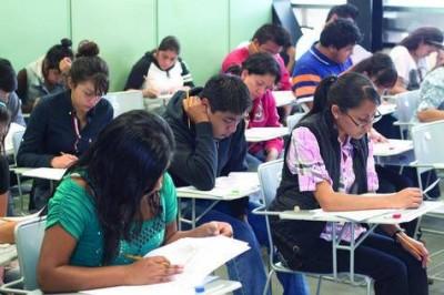 En México, profesionales son desplazados por personas sin educación