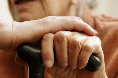 Incrementan diagnósticos de VIH y hepatitis en adultos mayores