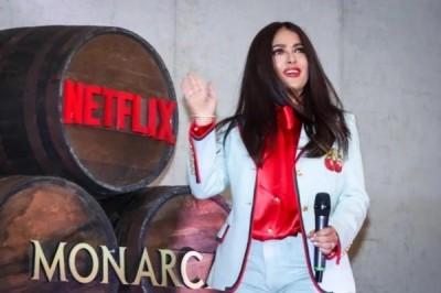 Hayek presenta 'Monarca' en Netflix