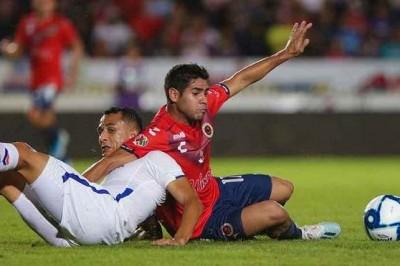 Tiburones Rojos empatan cero a cero contra Cruz Azul; suman 35 derrotas