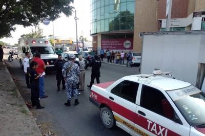 Taxi atropella a mujer en avenida de Veracruz (+Fotos)