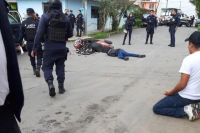 Muere motociclista al chocar con camión de basura en Veracruz