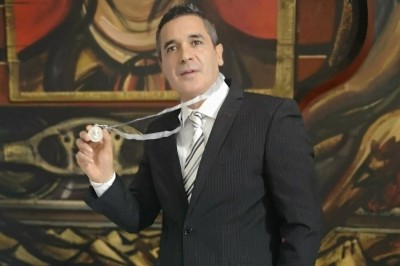 Julio Mannino recibe Medalla 'Virginia Fábregas'