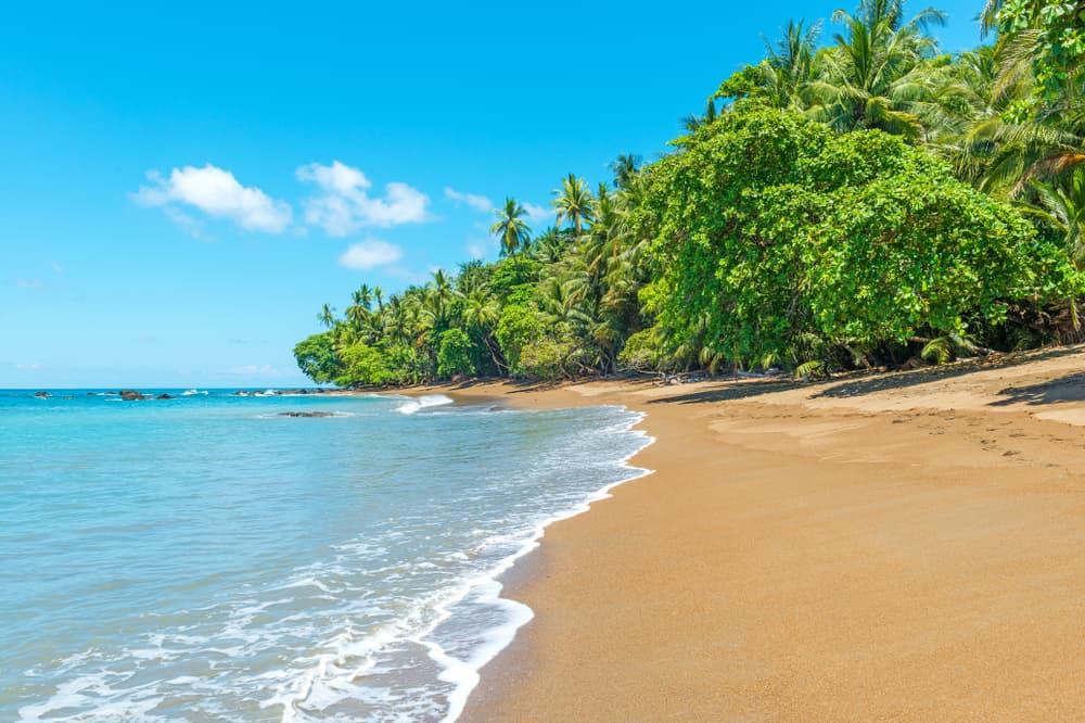 Playa-Tamarindo--Costa-Rica