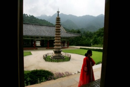 A Korean Temple for 24 hours