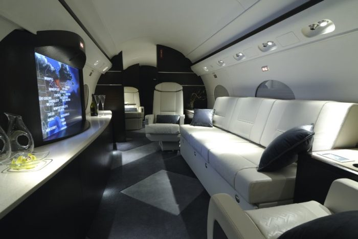 HD Widescreens for Hollywood Jet Owners the Select CMS