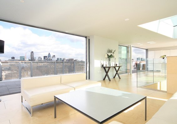 Lantern Apartment in London Borough of Southwark