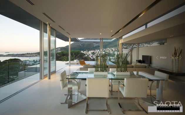 Saota's First Crescent House in Campus Bay