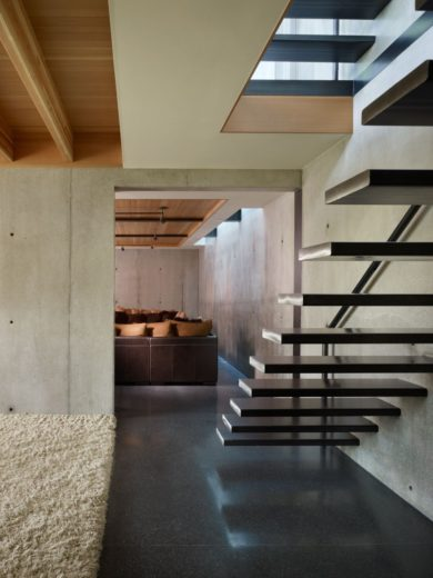 Modern Family House in Seattle 18
